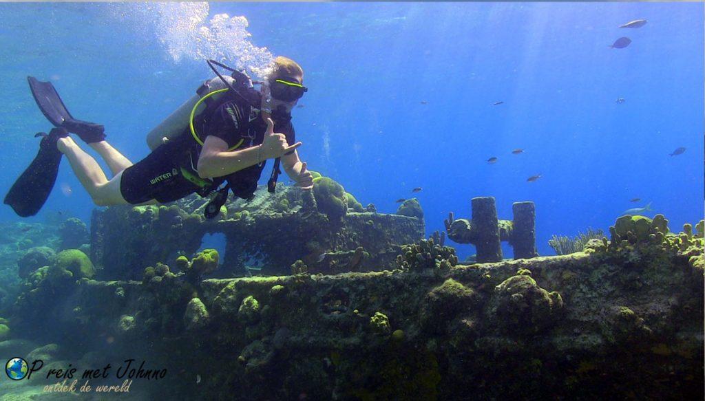De eerste duik tijdens mijn vakantie op Curaçao.