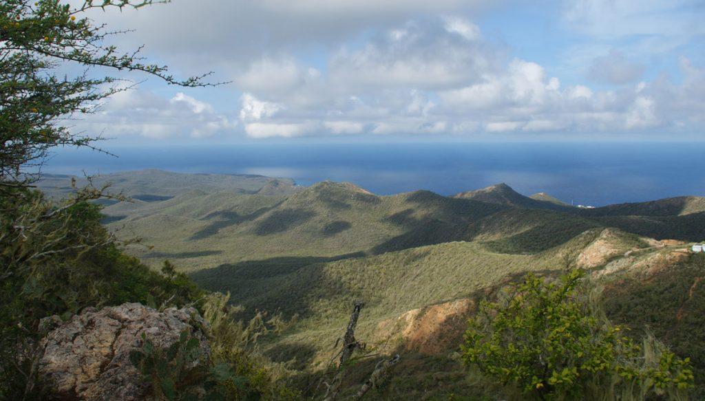 Wat een uitzicht van de Christoffelberg. Een tip om te doen in Curacao.