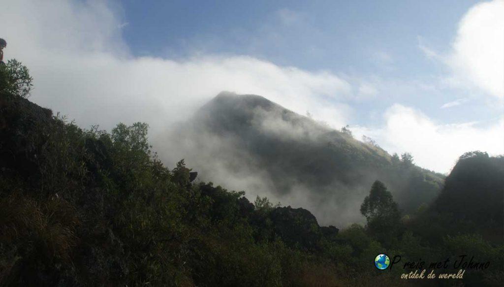 Dit is de mount Batur, deze gaan we beklimmen