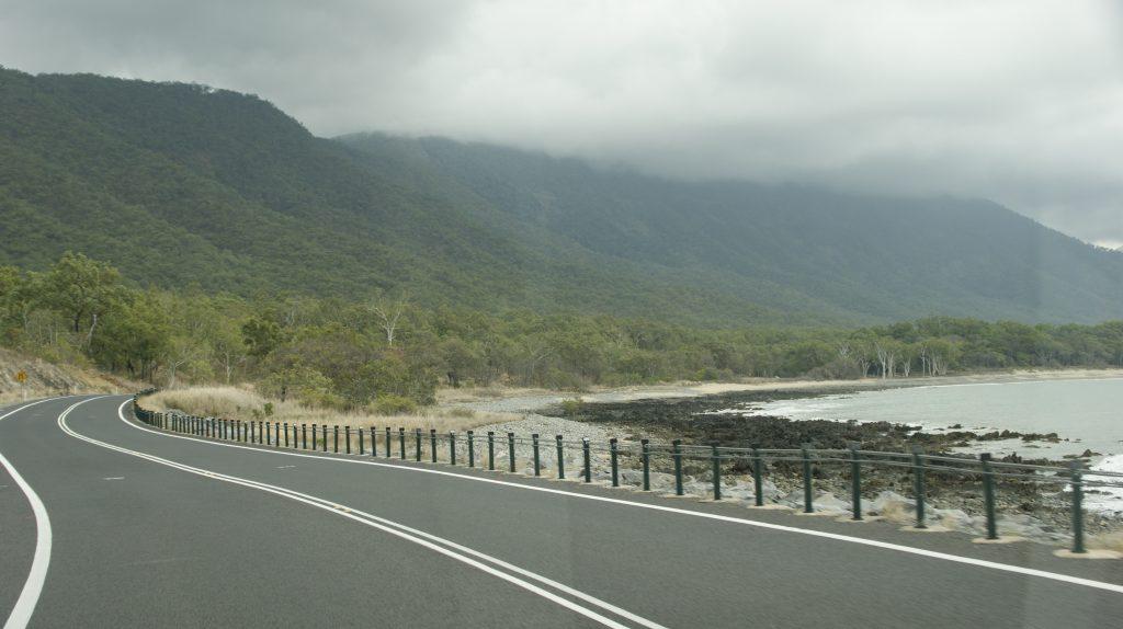 De weg naar Daintree regenwoud
