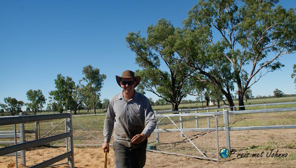 Klaar met het eerste hek tijdens mijn farmwork in Australia